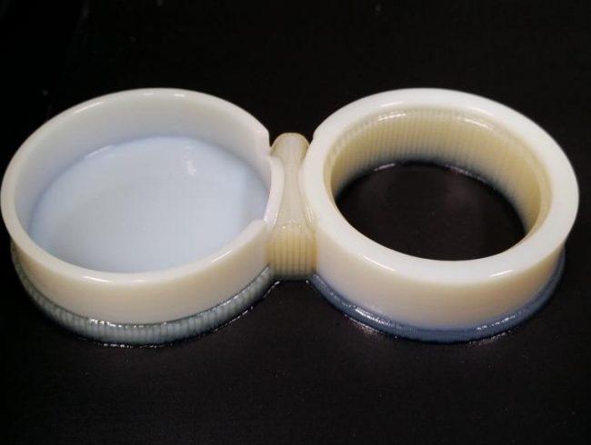 MJP-3D-printed-living-hing-RGD450